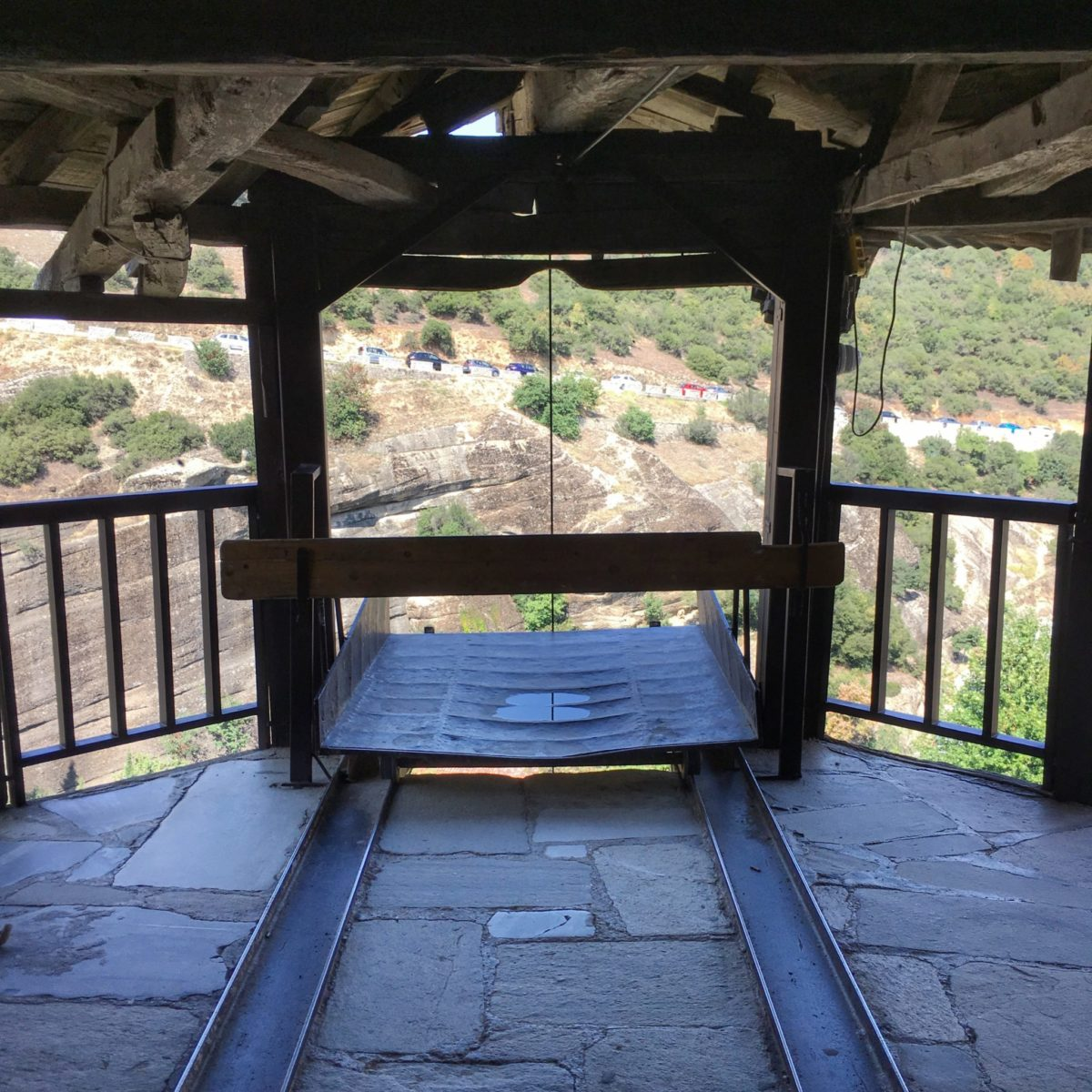 Система подъёма грузов в монастырях Метеоры, Греция