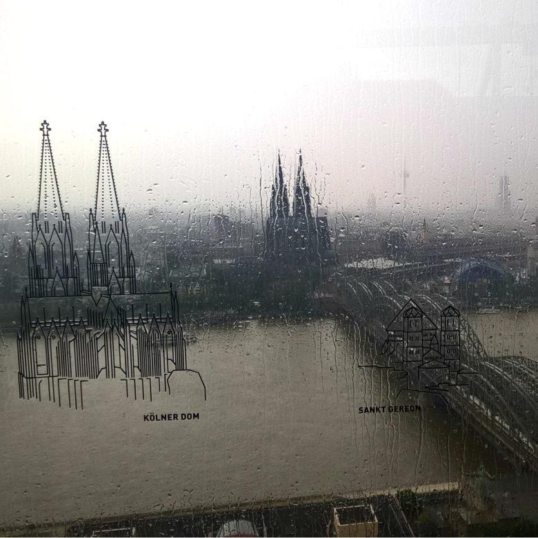 Высокий кафедральный собор Святых Петра и Марии в Германии или главная достопримечательность Кёльна