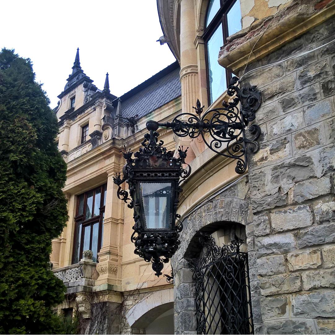 Замок Пелеш, Румыния - детали