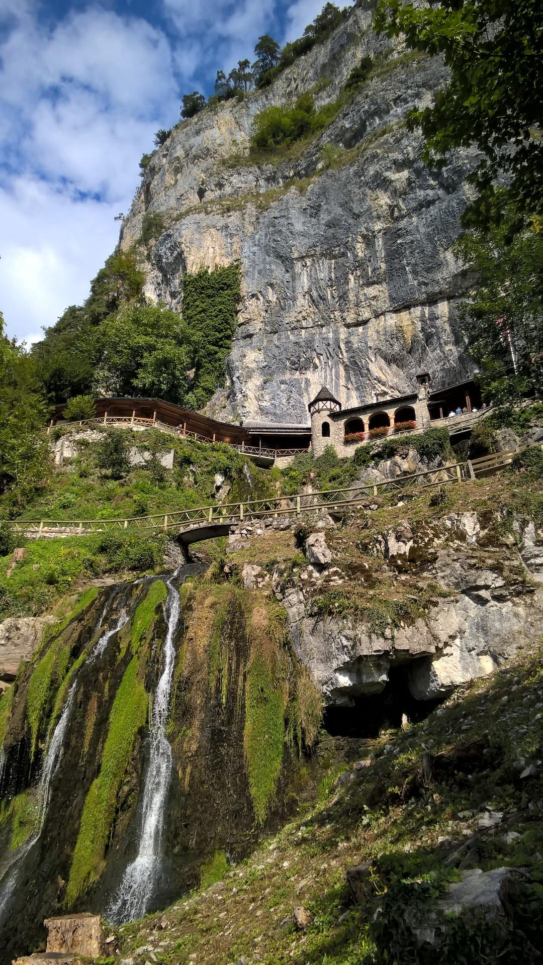 Вход в Свято-Беатовы пещеры, Интерлакен, Швейцария