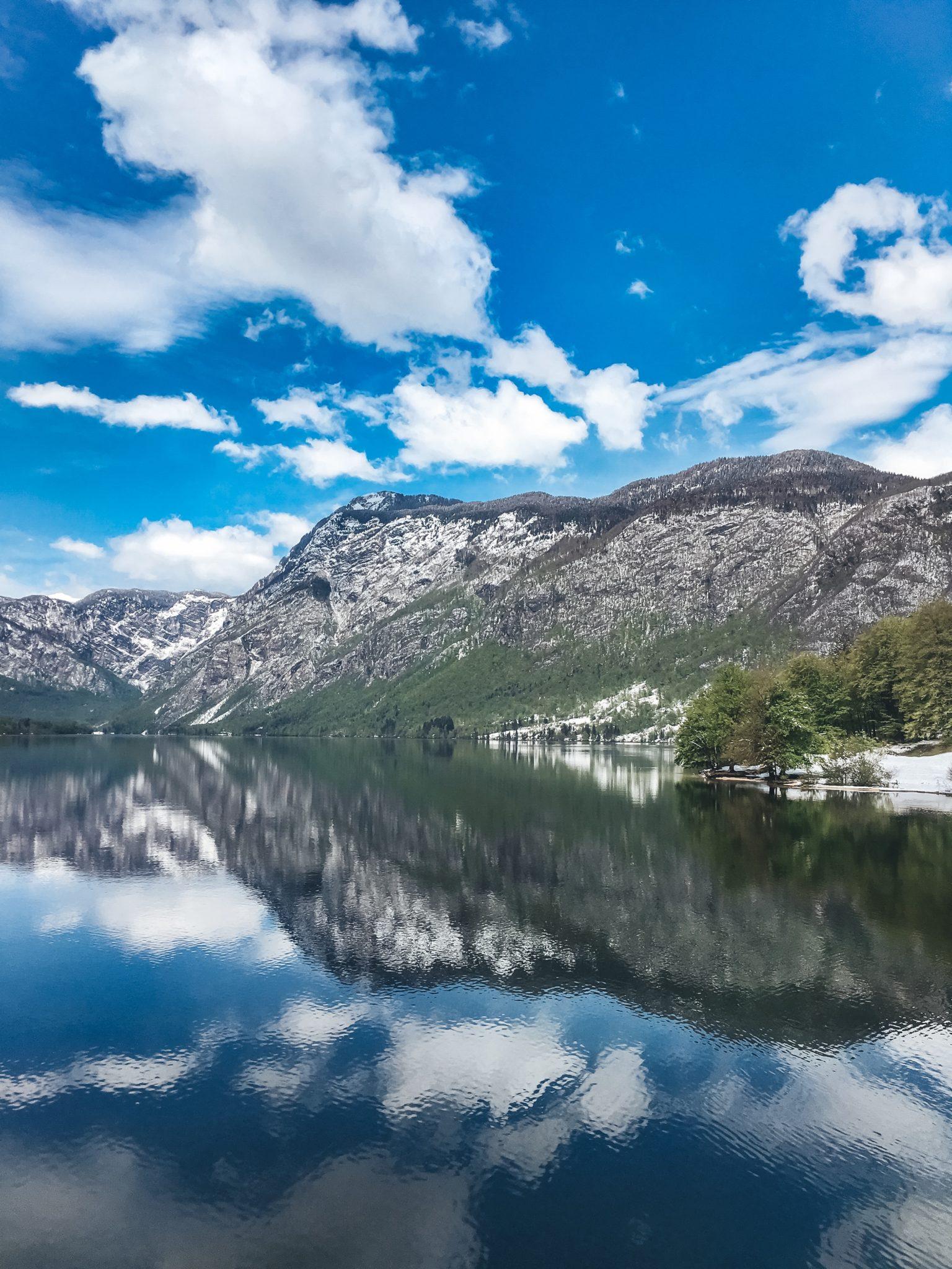Виды на озеро Бохинь, Словения