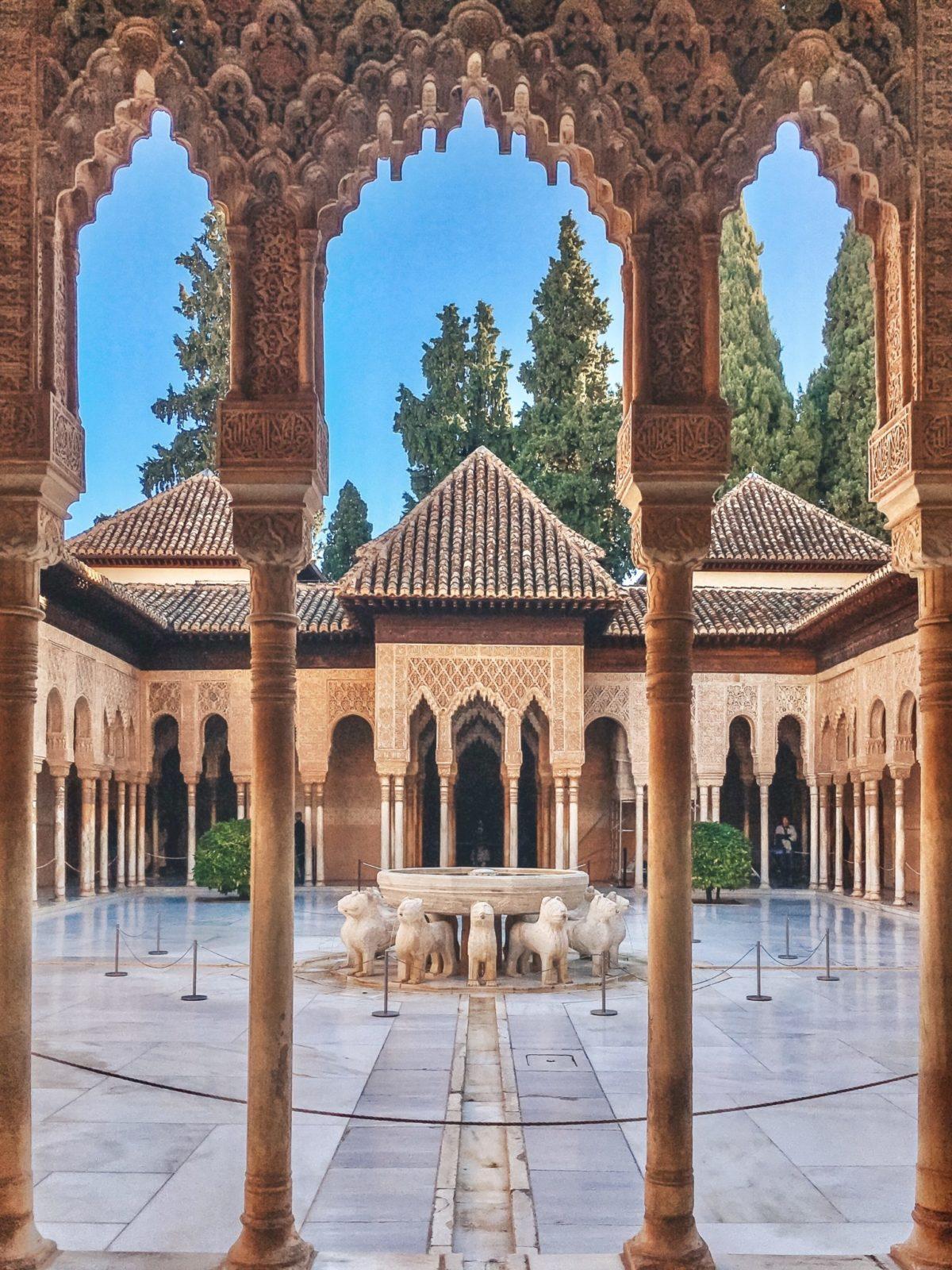 Дворец Альгамбра, Гранада - Что посмотреть в испанской Андалусии?