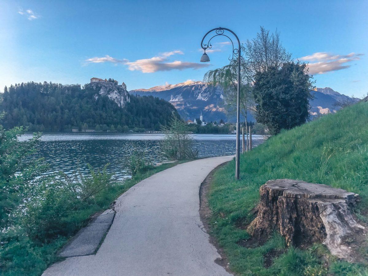 Дорожка вокруг озера Блед, Словения