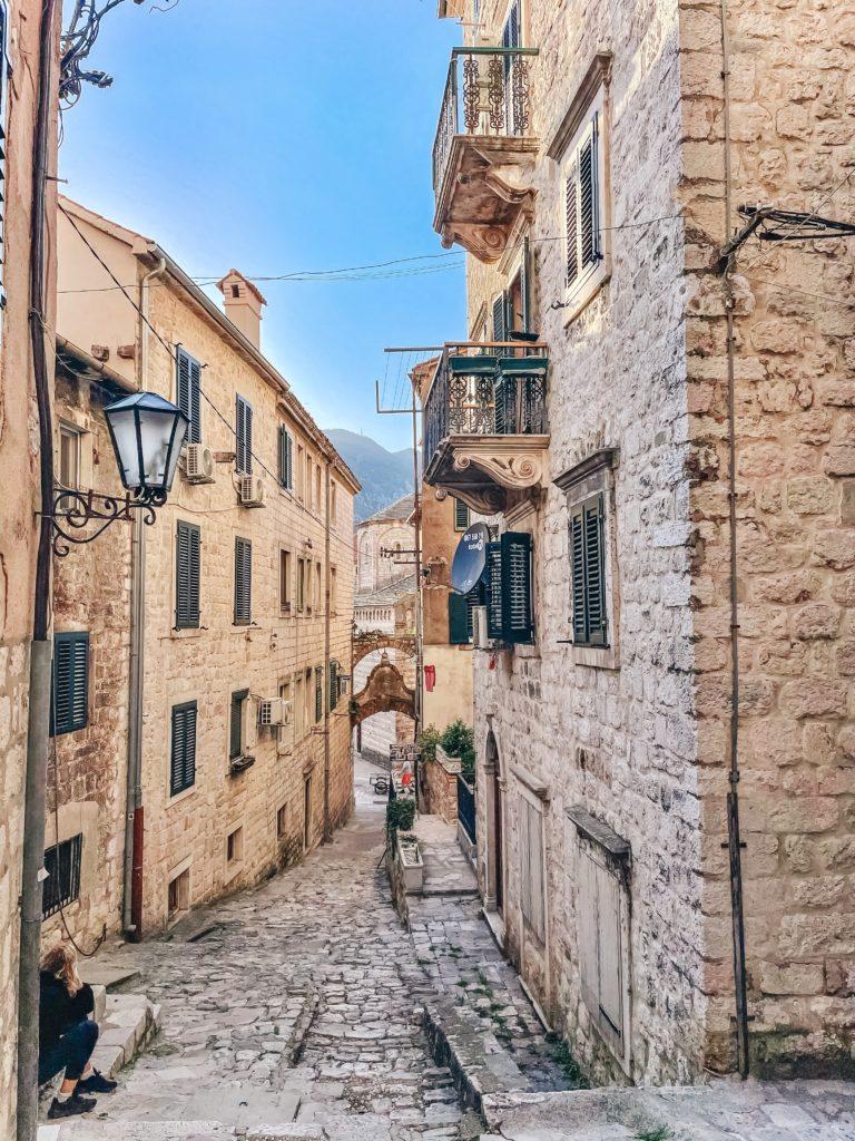 Улицы Котора - топ мест в Черногории